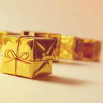 gifts_golder_wrapper_hires